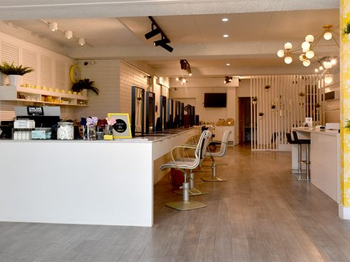 Discover hair and beauty salon Blo Bar in Oakleigh
